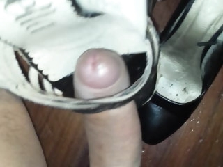 using Using her vibrator to cum in her work heels vibrator